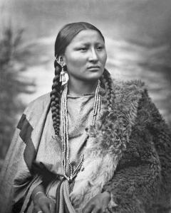 CheyenneWomanPrettyNose1879 - Montana